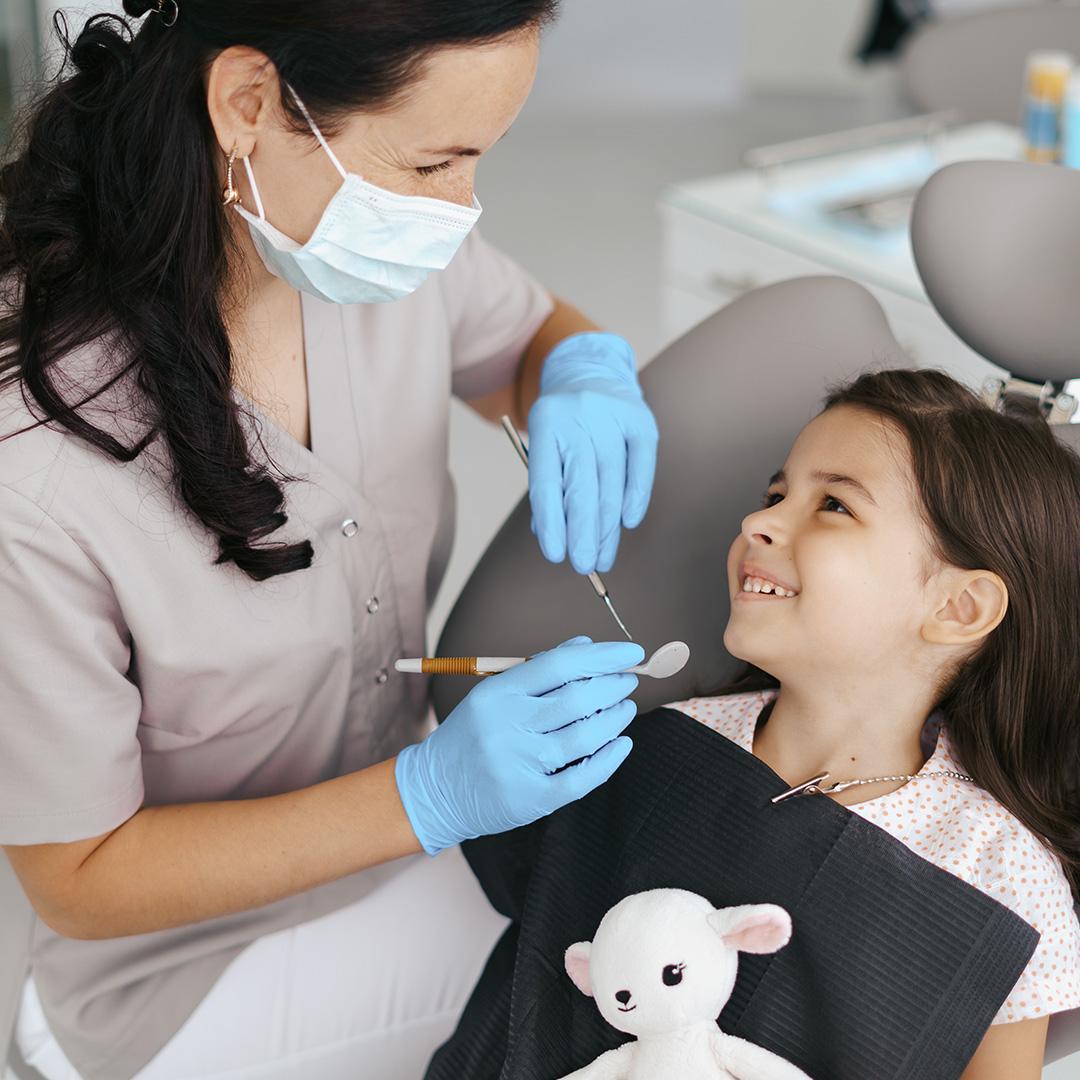 كيف يمكن أن تحافظ على صحة أسنان طفلك